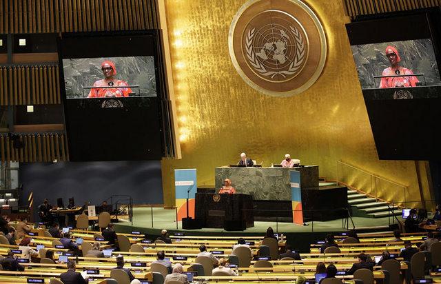 Winnie Byanyima, directora ejecutiva de Onusida, durante su intervención durante la Reunión de Alto Nivel sobre el Sida, en la sala de la Asamblea General, en que subrayó que solo con compromisos ambiciosos se podrá acabar con una pandemia que asola al mundo hace 40 años. Foto: Onusida