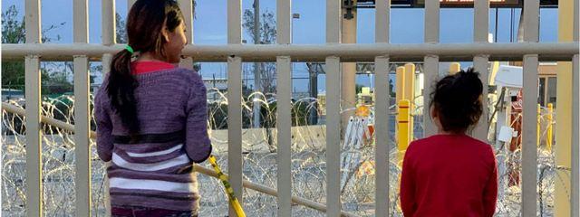 Niños y niñas son devueltos a México o América Central cuando tratan de reunirse con sus familiares tras cruzar las fronteras hacia Estados Unidos, sin un examen suficiente de sus casos para considerar la posibilidad de asilo, según Amnistía Internacional. Foto: Alli Jarrar/AI