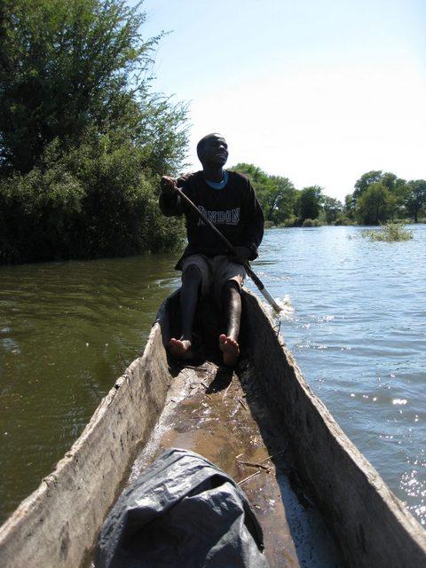 Gran parte de las áreas de exploración petrolera en Botswana y en Namibia se encuentran dentro de la cuenca del río Okavango, que desemboca en el delta del Okavango, declarado Patrimonio de la Humanidad por la Unesco. Foto: Servaas van den Bosch / IPS