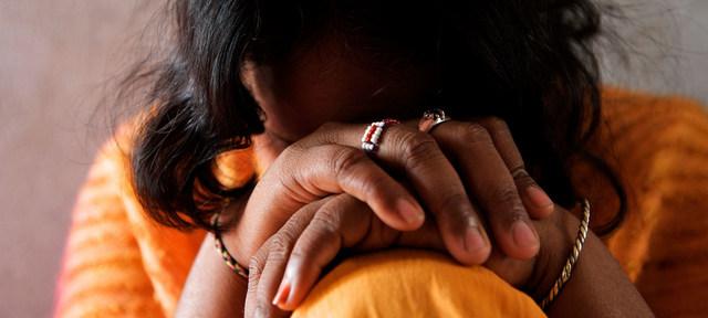 Las mujeres y las niñas en situación de vulnerabilidad por la covid-19 están entre los objetivos de traficantes de personas, quienes se adaptan a la