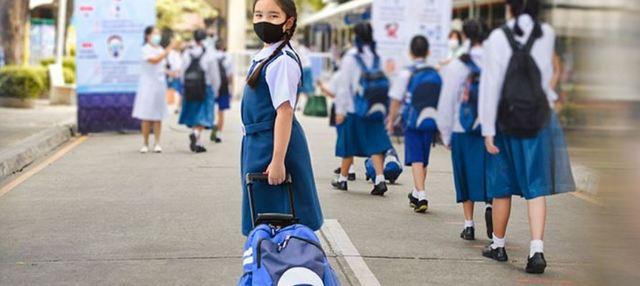 La Unesco y Unicef sostienen que millones de niños y jóvenes están perjudicados por el cierre presencial de las escuelas y han señalado que muchos países mantuvieron cerrados los centros de enseñanza mientras permitían la apertura de bares y restaurantes. Foto: Unesco